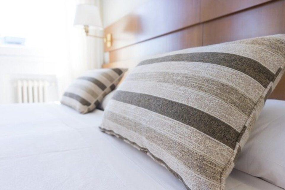 Łóżka drewniane – podstawowe informacje